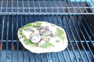 pesto-pizza-on-grill