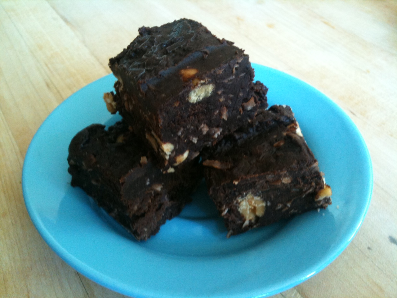 Super-decadent No-Bake Fudge Brownies